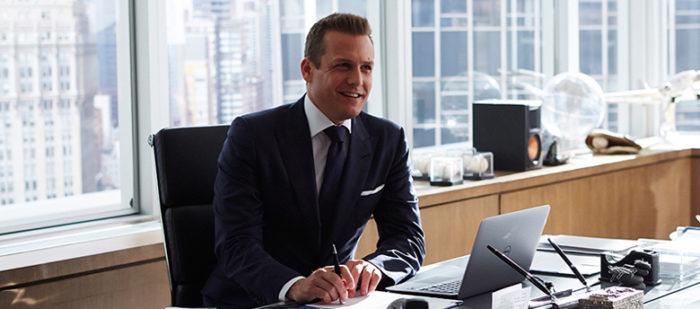 Harvey Specter em seu escritório
