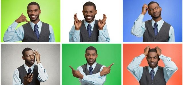 homem fazendo gestos de linguagem corporal